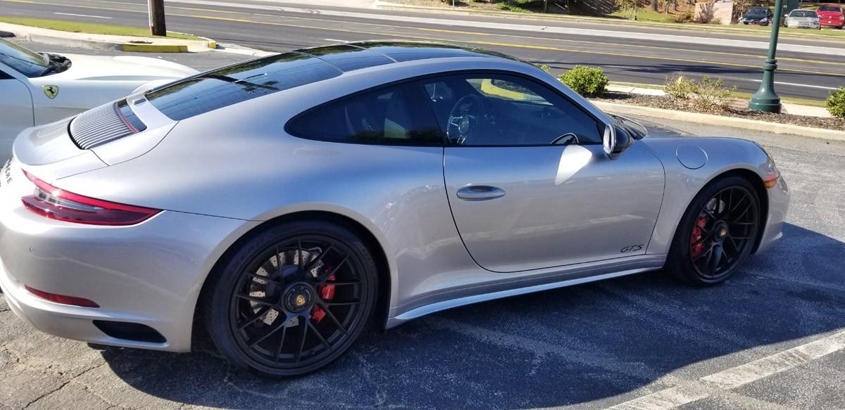 Porsche 911 GT4S